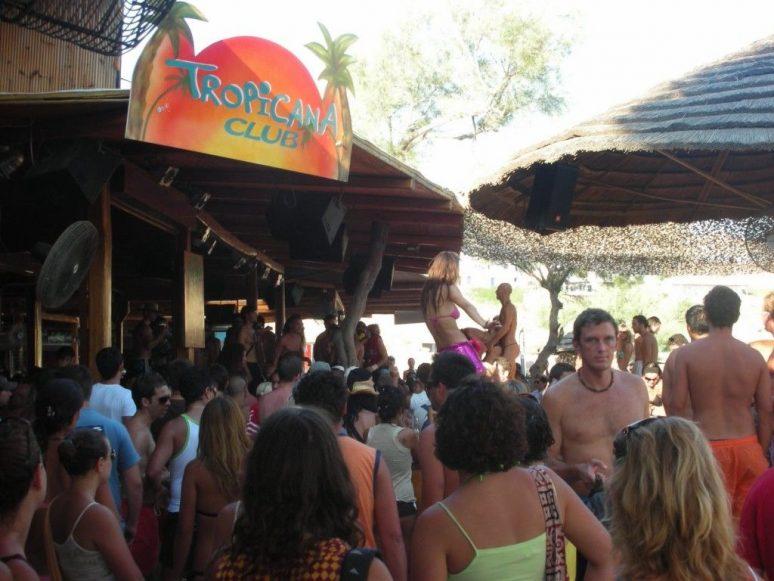 Bar et restaurant de la plage Tropicana